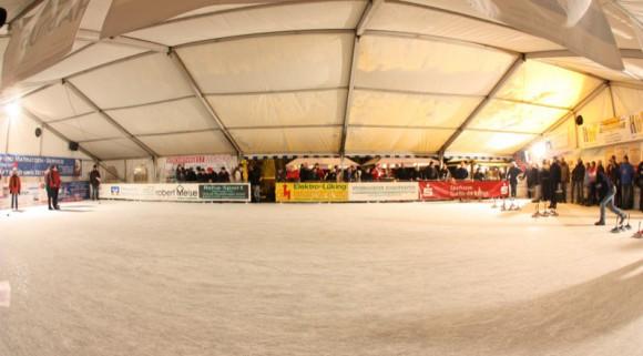 Die mobile Eissporthalle in Steinhagen