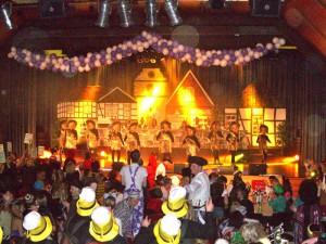 Bühnenbild der Punksitzung