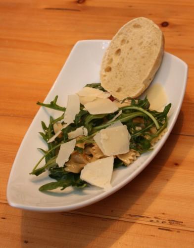 Lauwarmer Fafalle-Salat mit Tomaten-Dressing