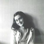 """""""Ich heiße Anne"""", sagte sie. """"Anne Frank."""""""