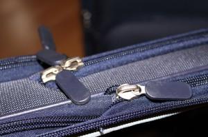 Zahlreiche Reißverschlüsse für alle Taschen und Fächer