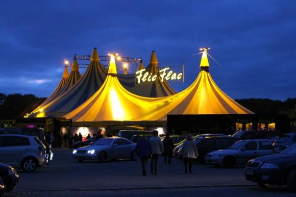 Flic Flac Zirkus Zelt