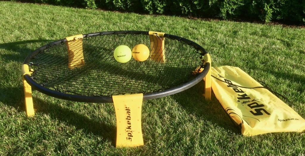 spikeball action ball spiel f r den garten 360 friends. Black Bedroom Furniture Sets. Home Design Ideas